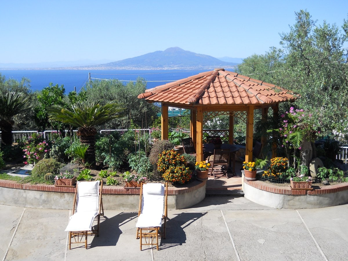 Gazebo with table and chairs with a magnificent sea-view