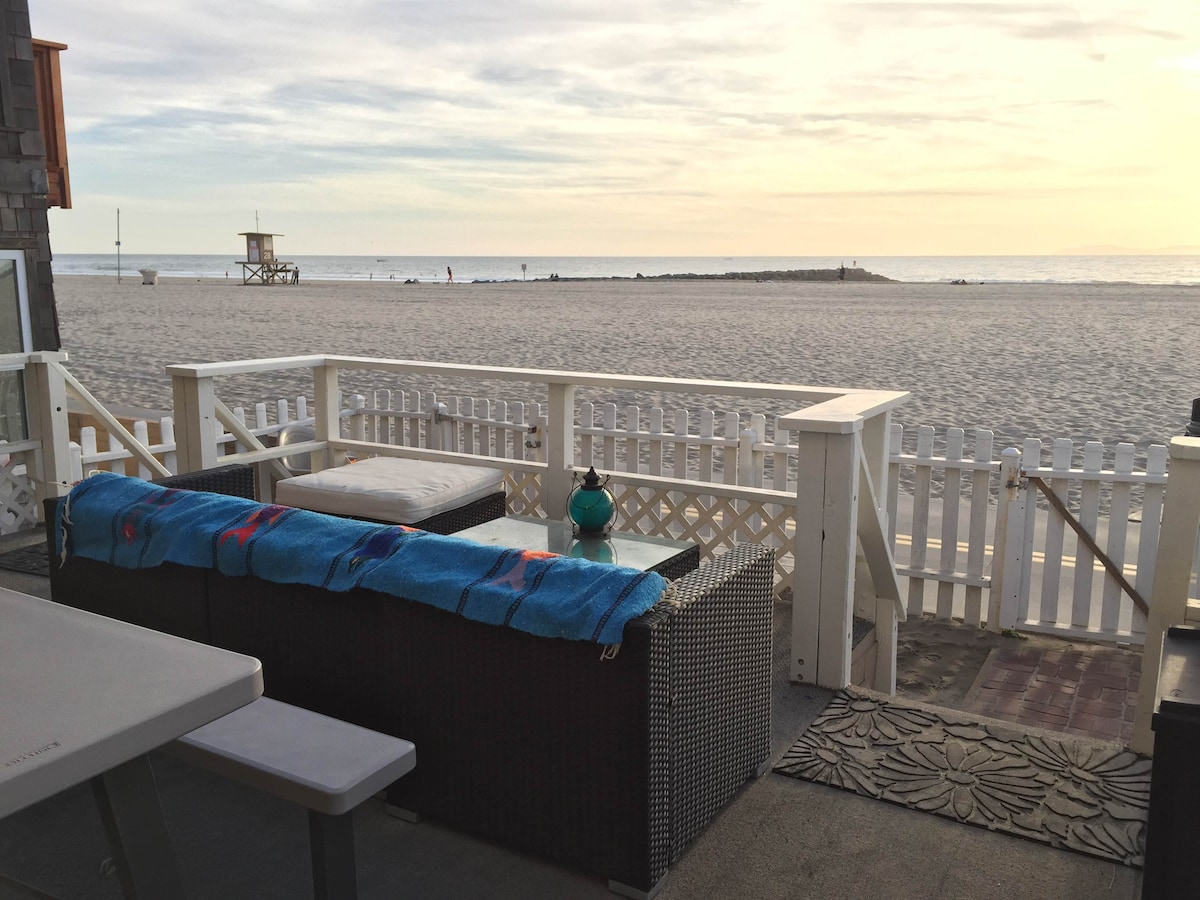 Oceanfront Apartment- ON THE BEACH
