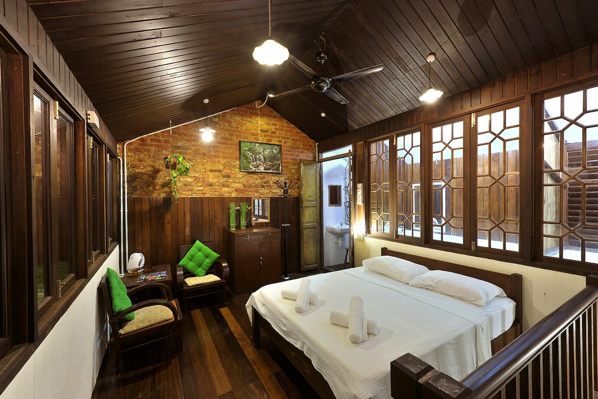 FamilyRoom- Silver Shine Guesthouse