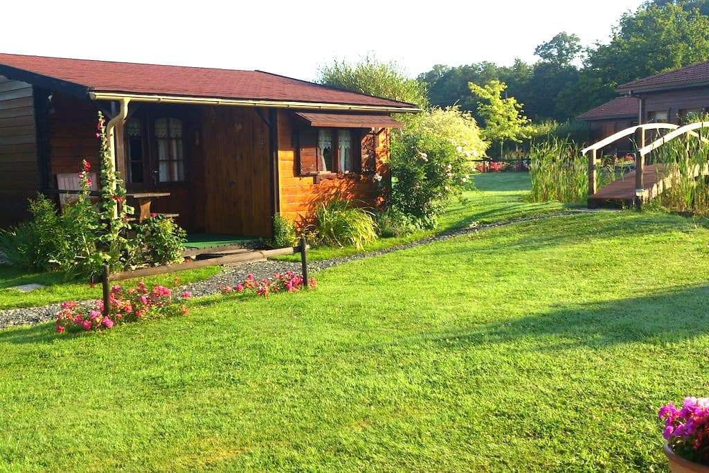"""Insolite habitat bois """"Sous-Bois"""" - Claudon - Bungalow"""