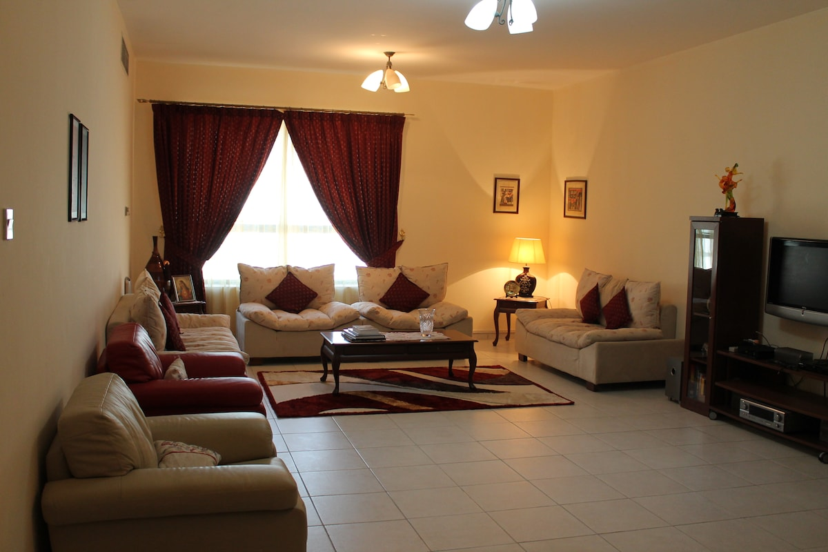 Spacious rooms on Sheik zayed road