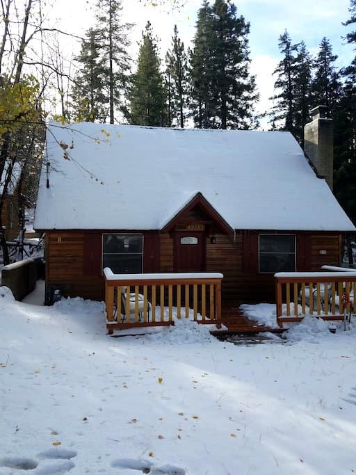 The Bear Beauty! 3 Bedrooms of Comfort! Location! - Big Bear Lake - Casa
