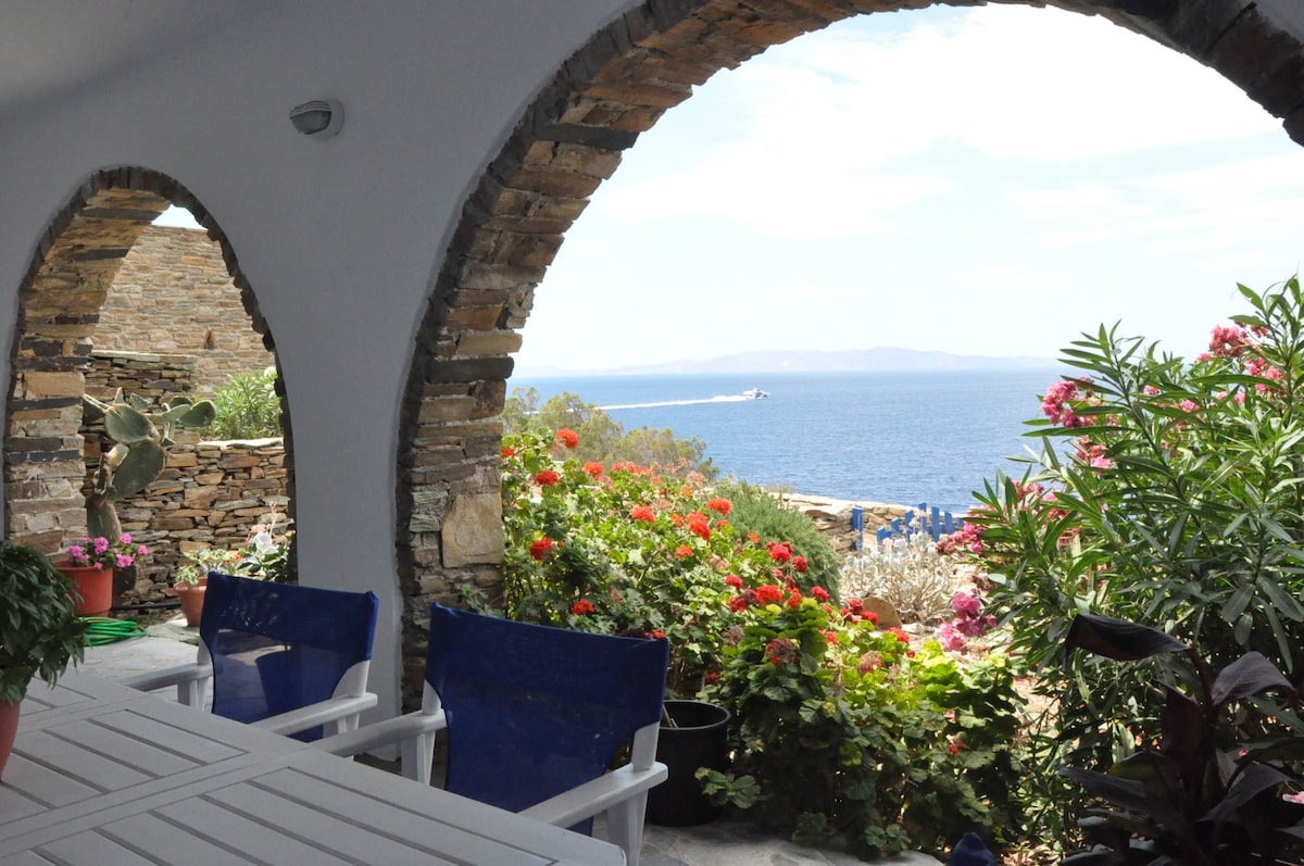 House by the sea in Tinos - B