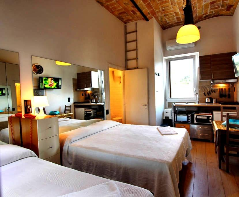 Central New Studio with parking - Rome - Apartment