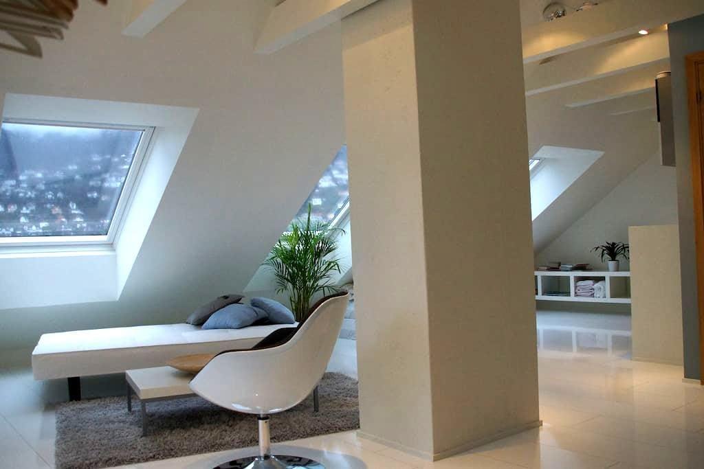 Modern attic apartment - Bergen - Wohnung