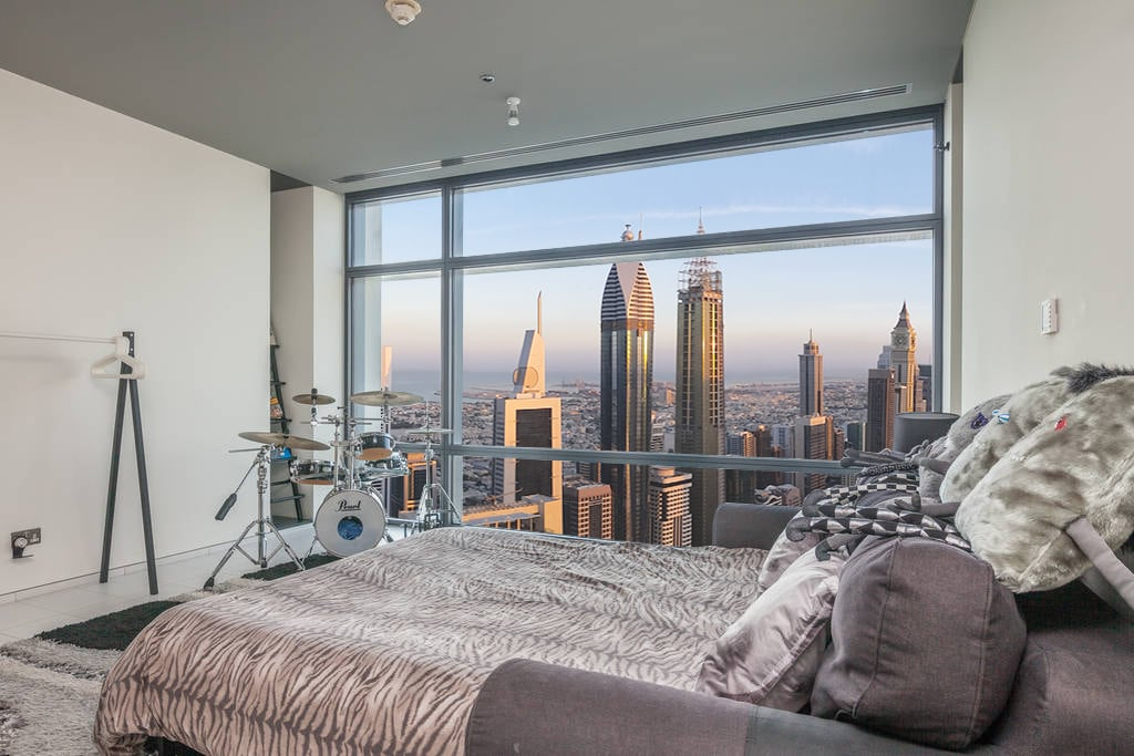 The apartment is located on the 50th floor.