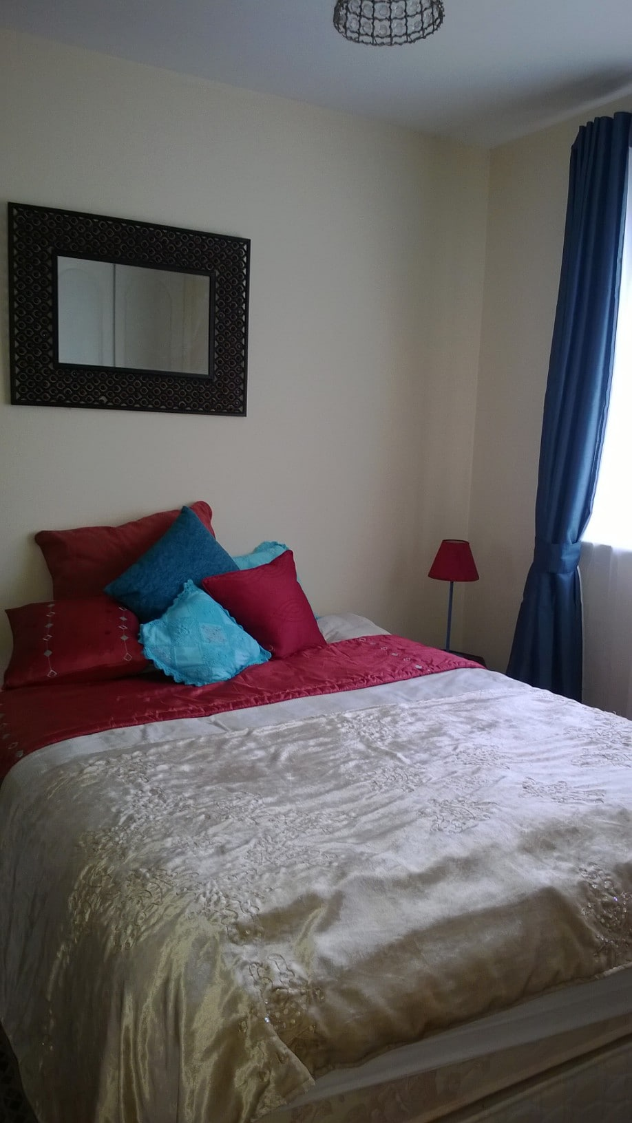 Bright spacious ensuite double room
