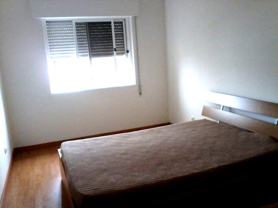 Quarto em apartamento - Queijas - Queijas - Daire