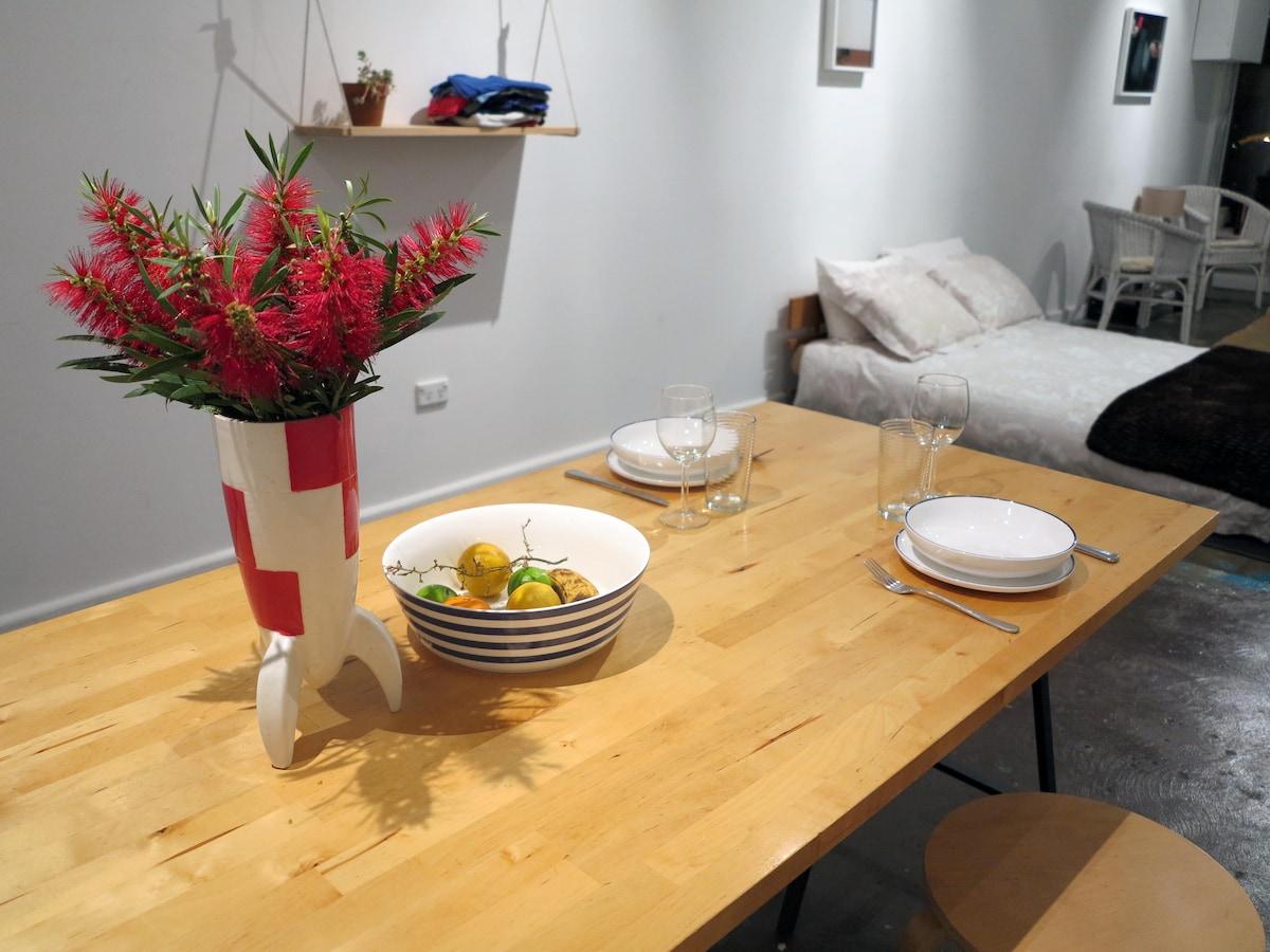 Unique Art Apartment in Fitzroy
