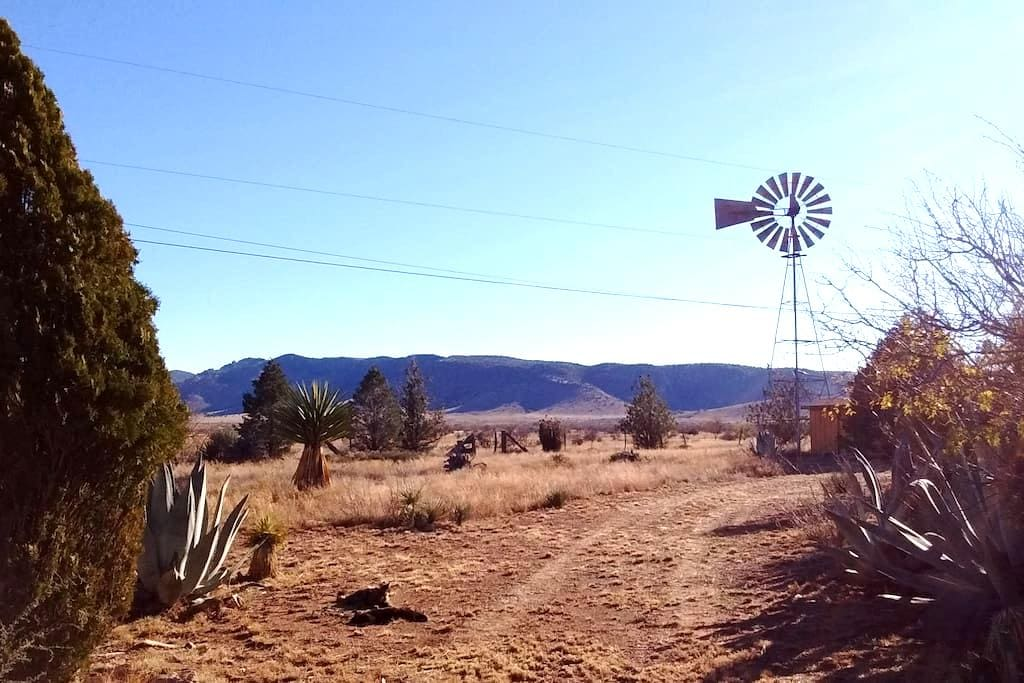 Piñon Ranch Guest Cottage - Alpine - Hospedaria