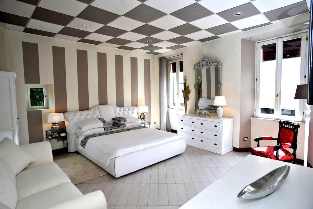 CAMERA KING DELUXE MARILYN NEAR LAKE COMO - Cernobbio - Bed & Breakfast