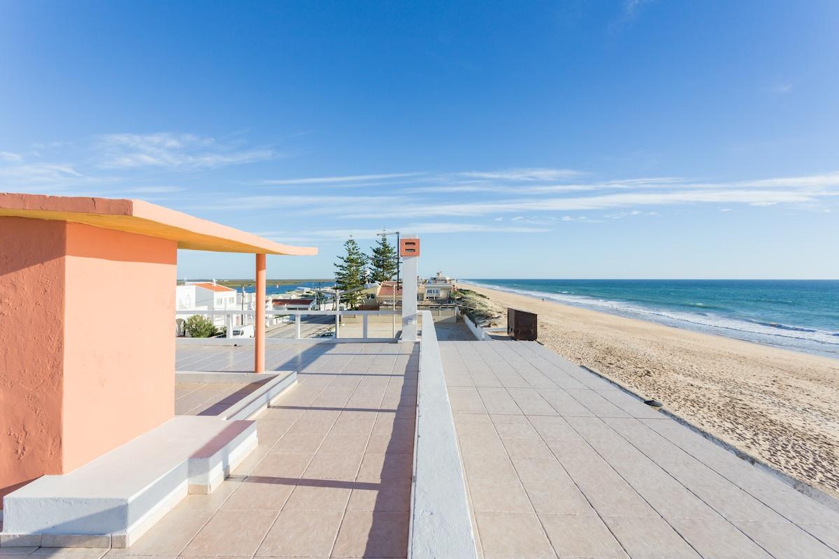 Amazing Beachhouse! By the Sea!