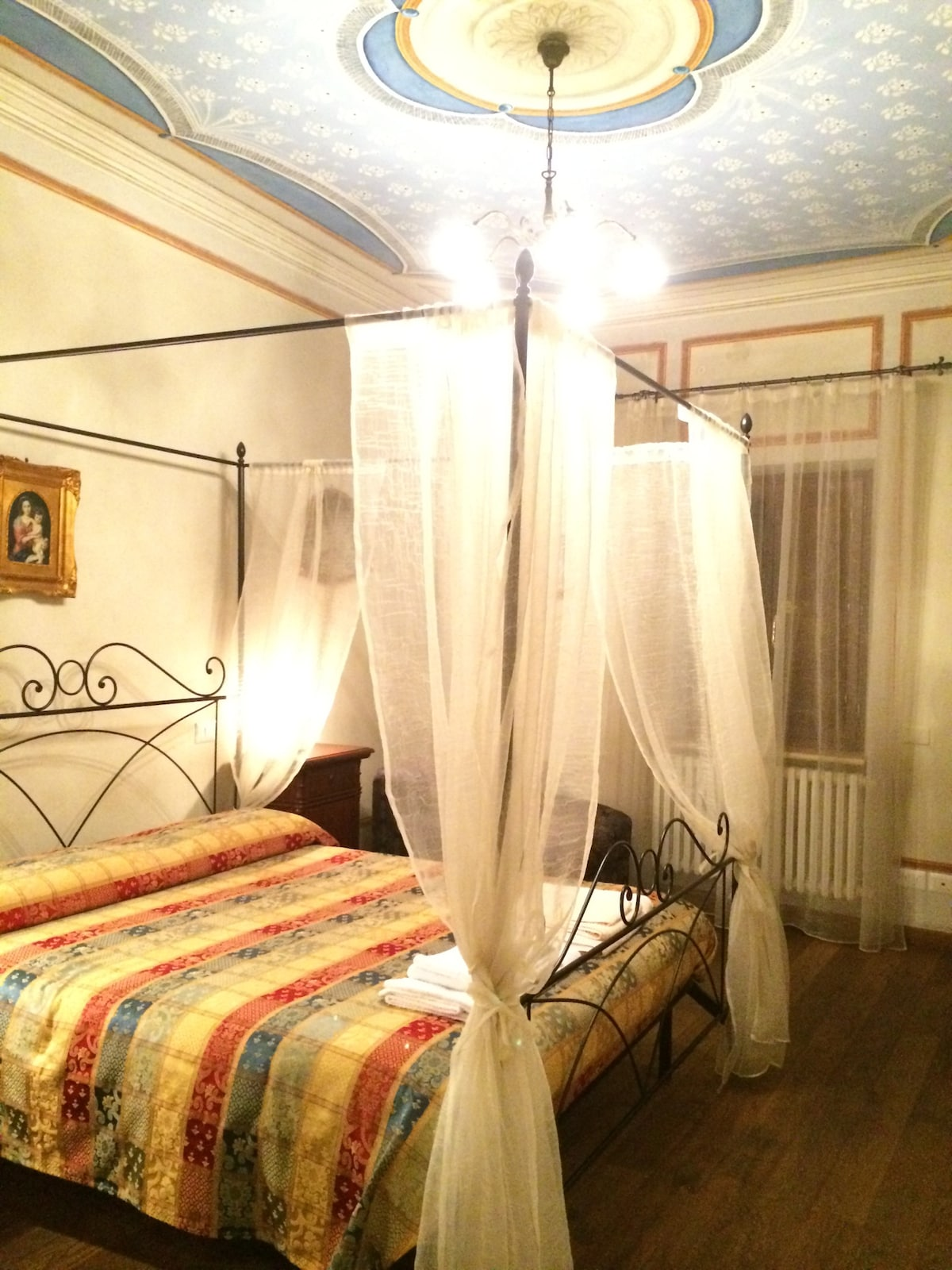 1st bedroom with wonderful canopy bed