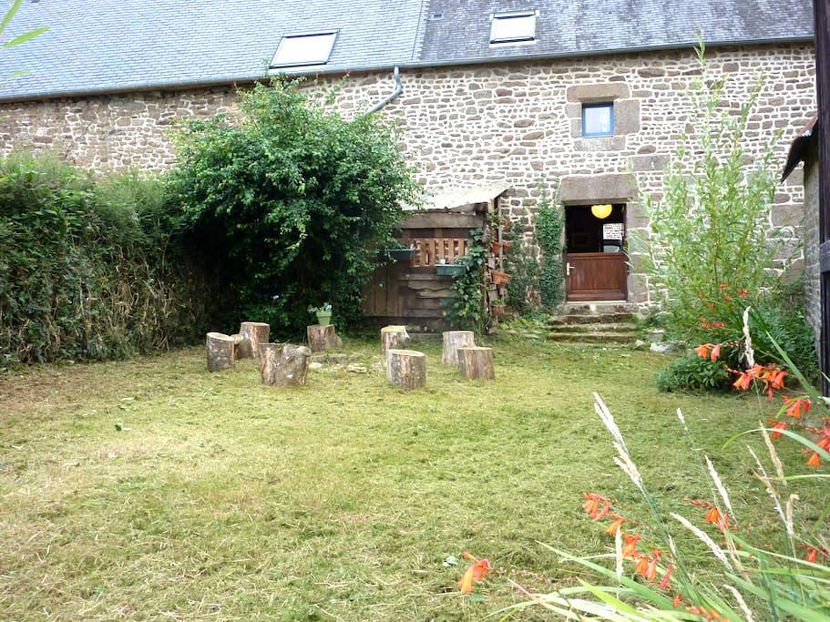 Maison à louer à la campagne - Poilley - Haus
