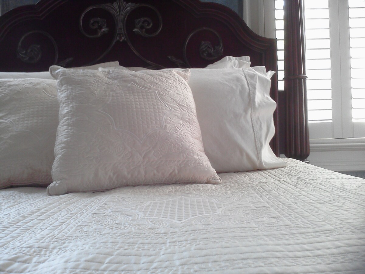 Top quality linens becon...