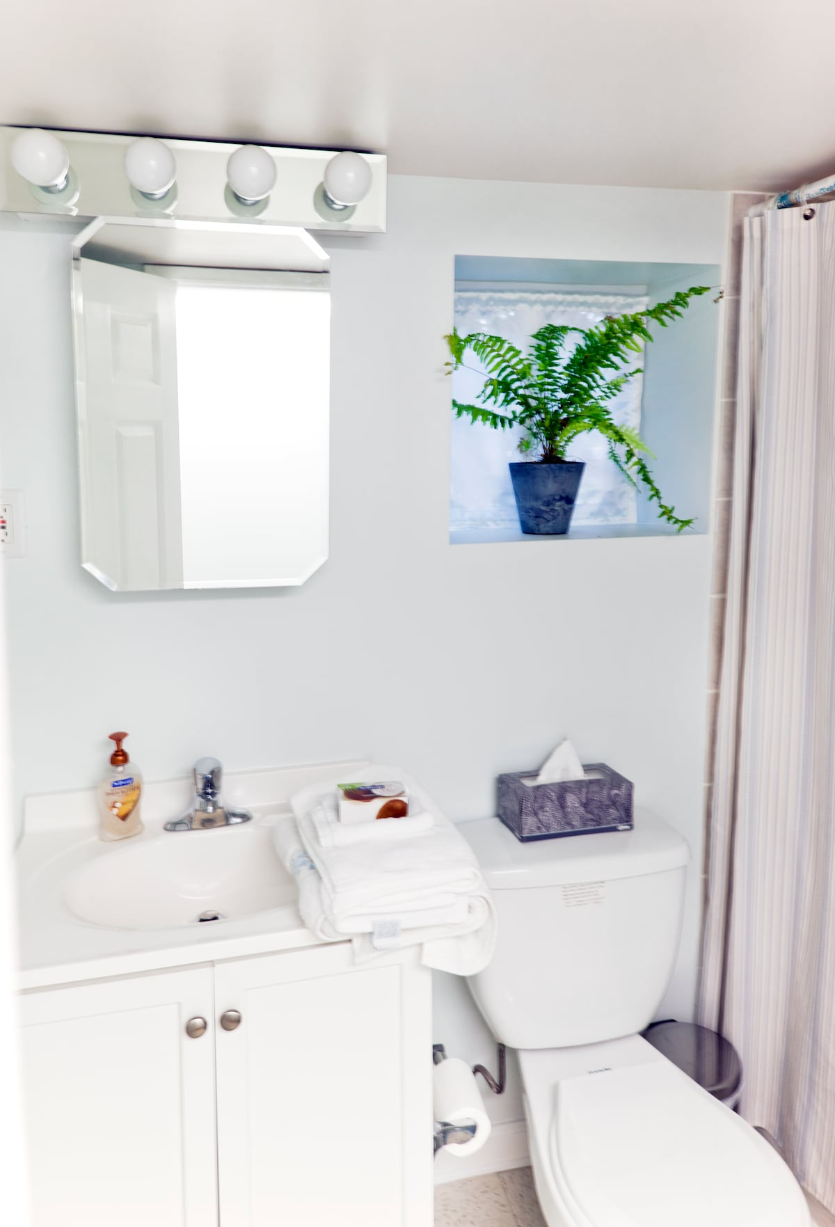 Your own bathroom with towels, hairdryer, shampoo, body wash provided