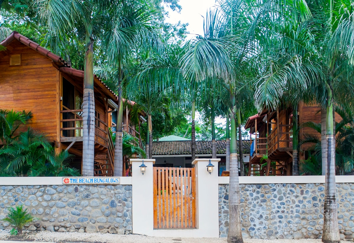 Beach Bungalows>> Bungalow #1 of 4