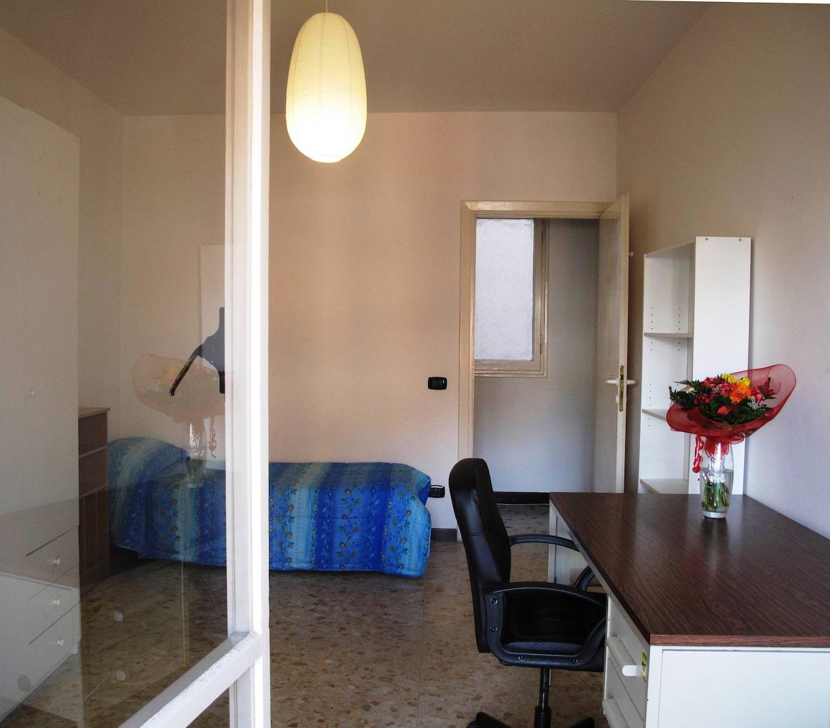 Louminous room, very comf&cheap