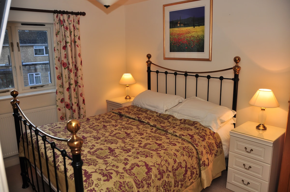 4 Star Cotswold stone cottage