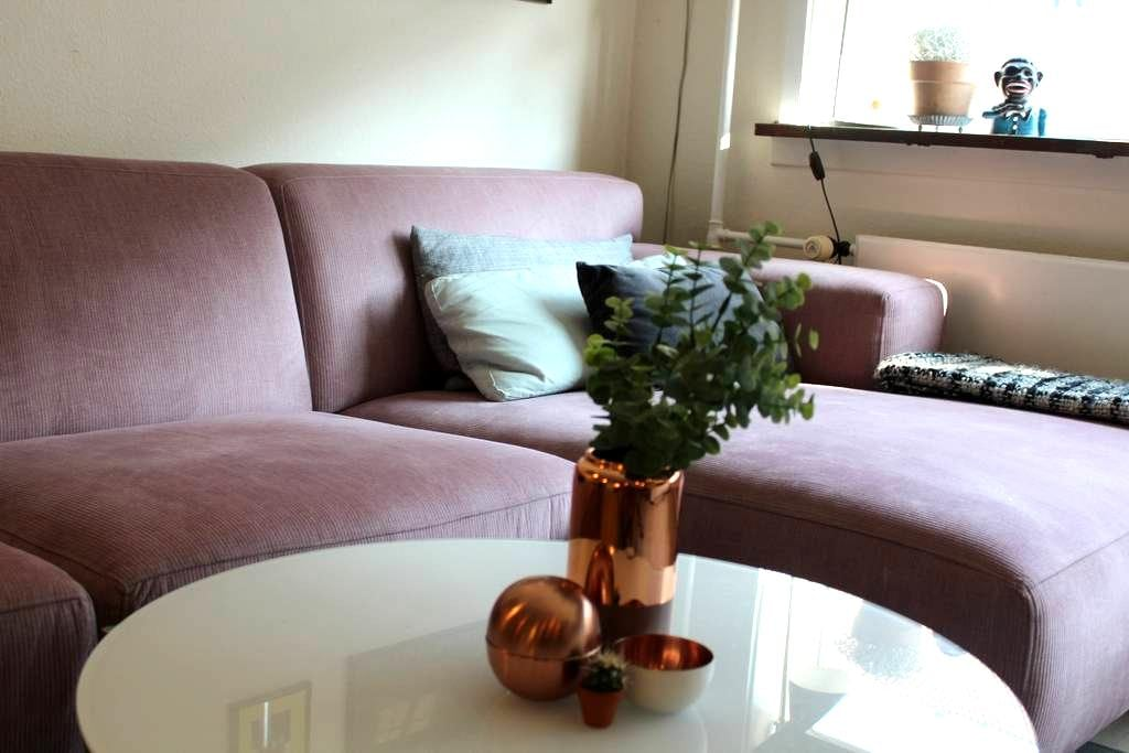 Cosy apartment close to everything! - København