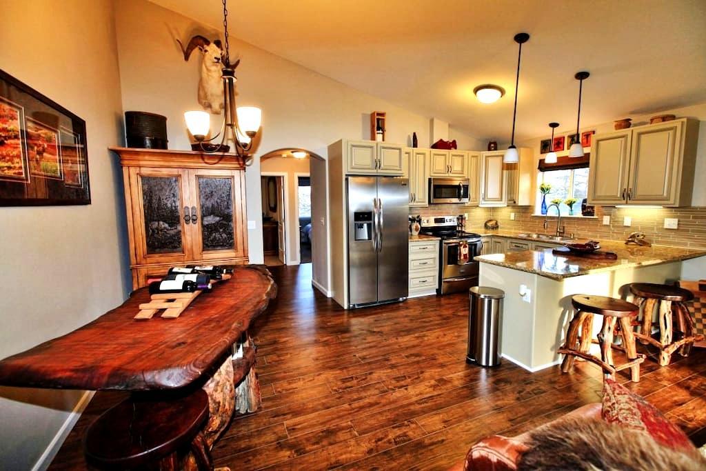 Rustic 2BR Palmer Alaska Apartment - Palmer - Apartamento