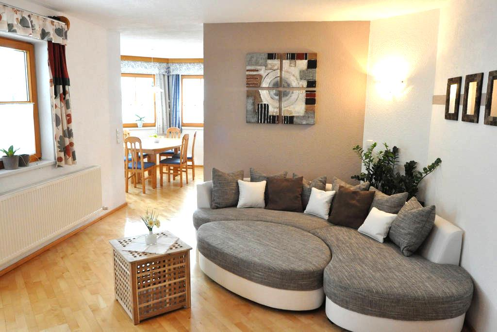 Superb 3 Bedrooms Apartment - Imsterberg