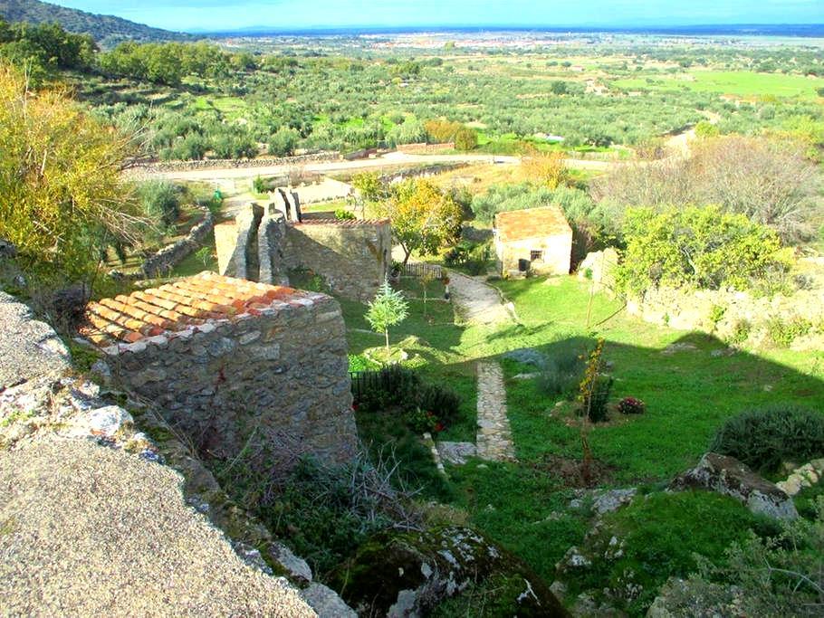Water mills in stunning scenery - Montánchez
