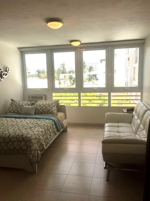 Modern Studio, Few Steps From The Beach!!! - Carolina - Apartment
