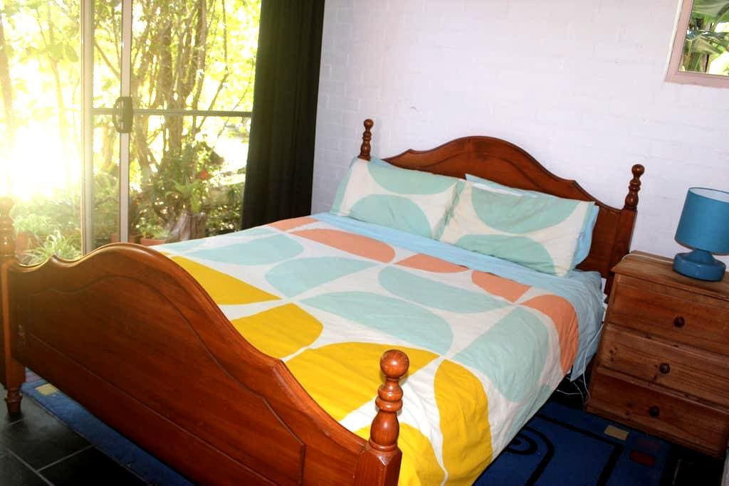 Cute Private Studio Apartment - Byron Bay - Huoneisto