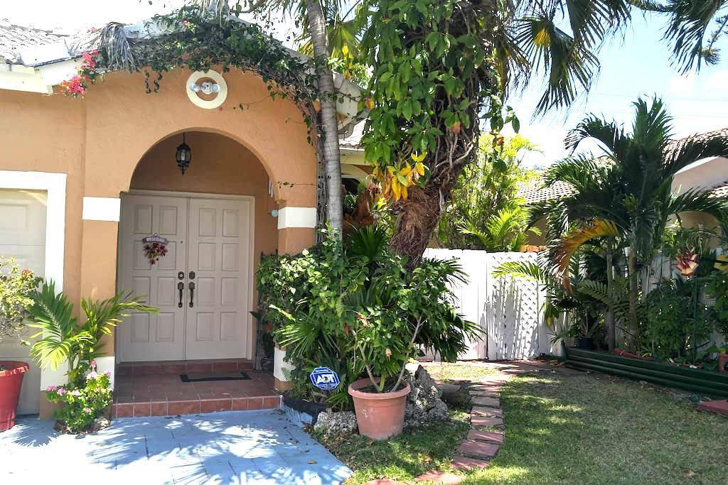 1 Guest Family-Friendly South Miami - Miami - Casa