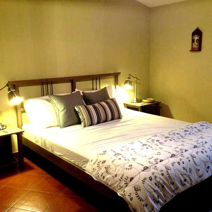 Hideaway apartment with wifi - Caccamo