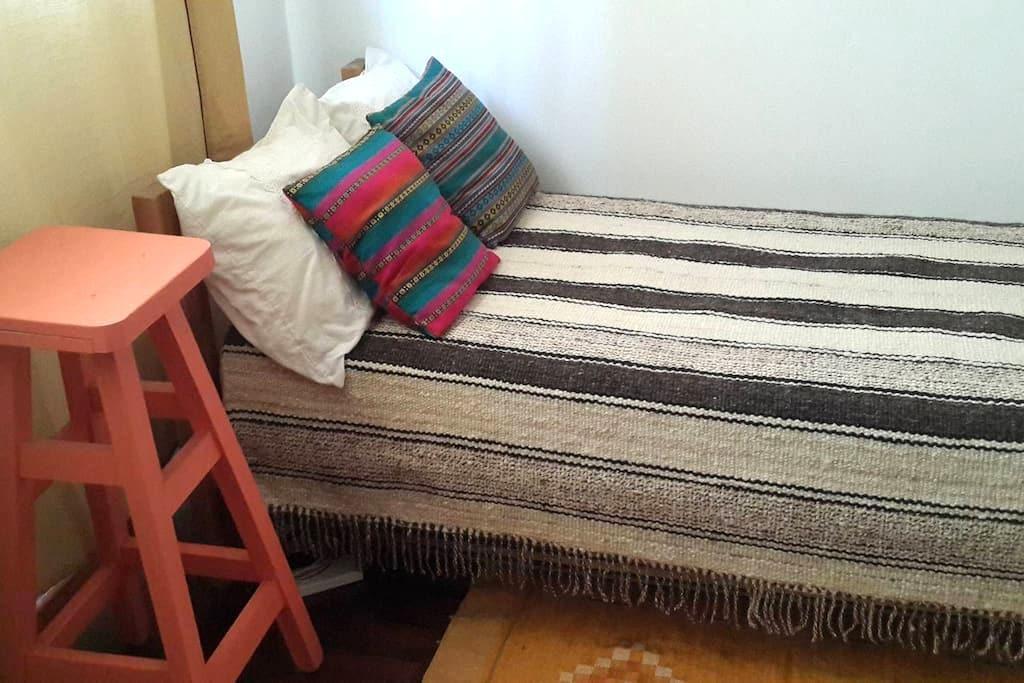 Habitación privada en casa antigua - La Plata - Dom
