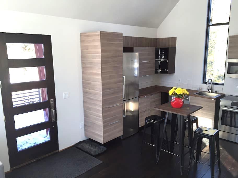 Adorable & Bright - Modern Loft - Breckenridge