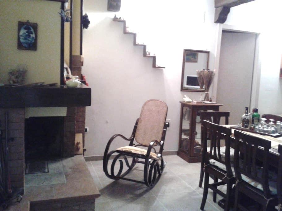 Soggiorno in Taverna come a casa - Teramo - Overig