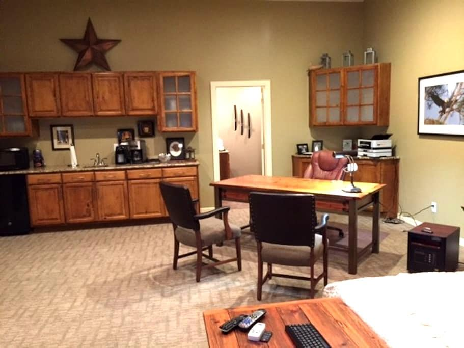 Guest Apartment in Kearney, Missouri - Kearney - Lägenhet