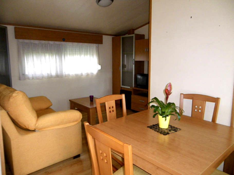 Bungalow meublé + grande terrasse - Heugas