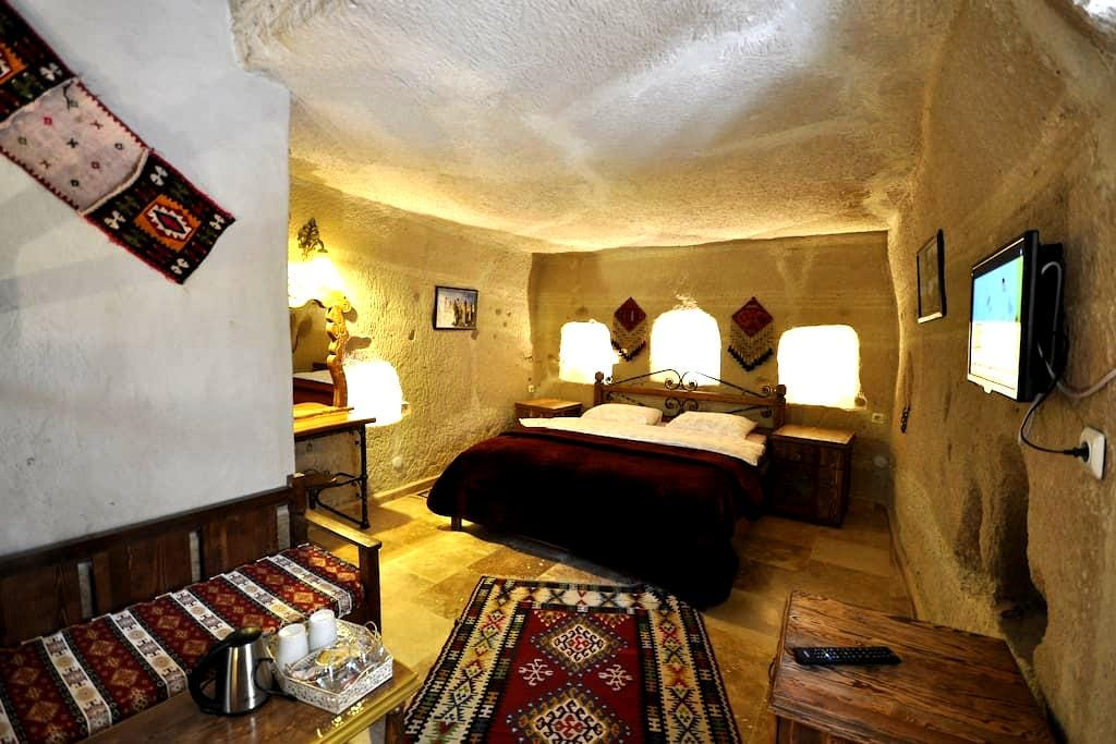 Anatolia pretty fairy chimney 105 - Göreme - Bed & Breakfast