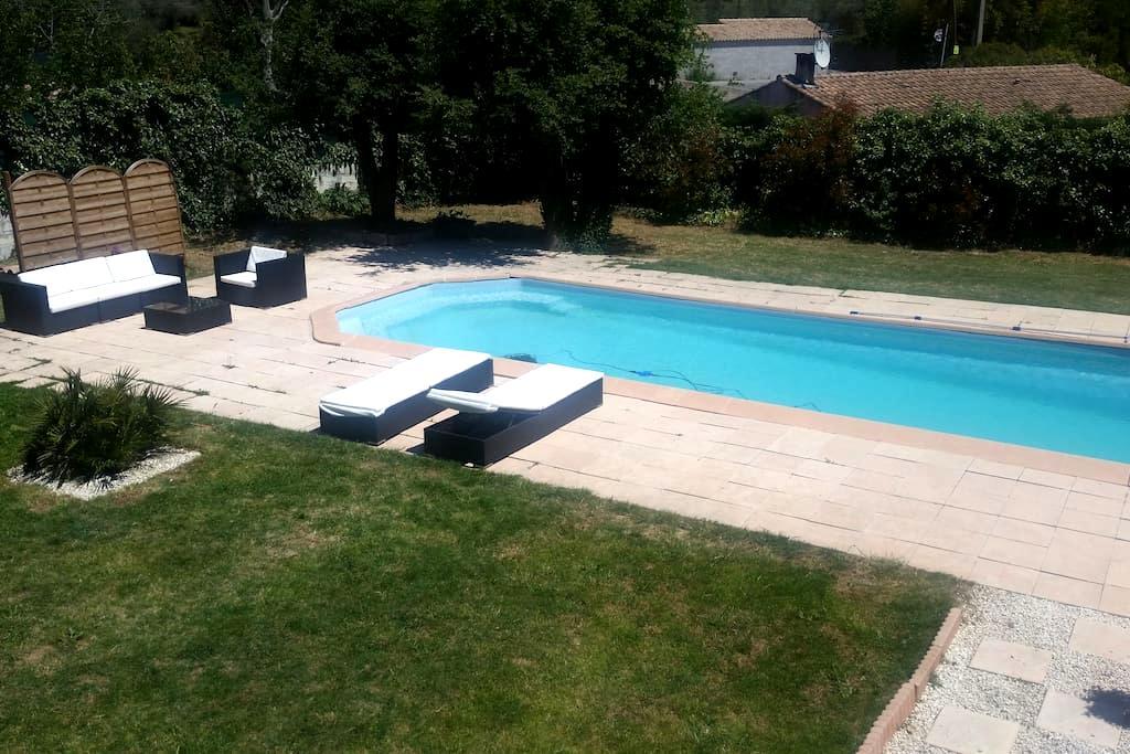 Appartement avec vue et piscine - La Bouilladisse - Daire