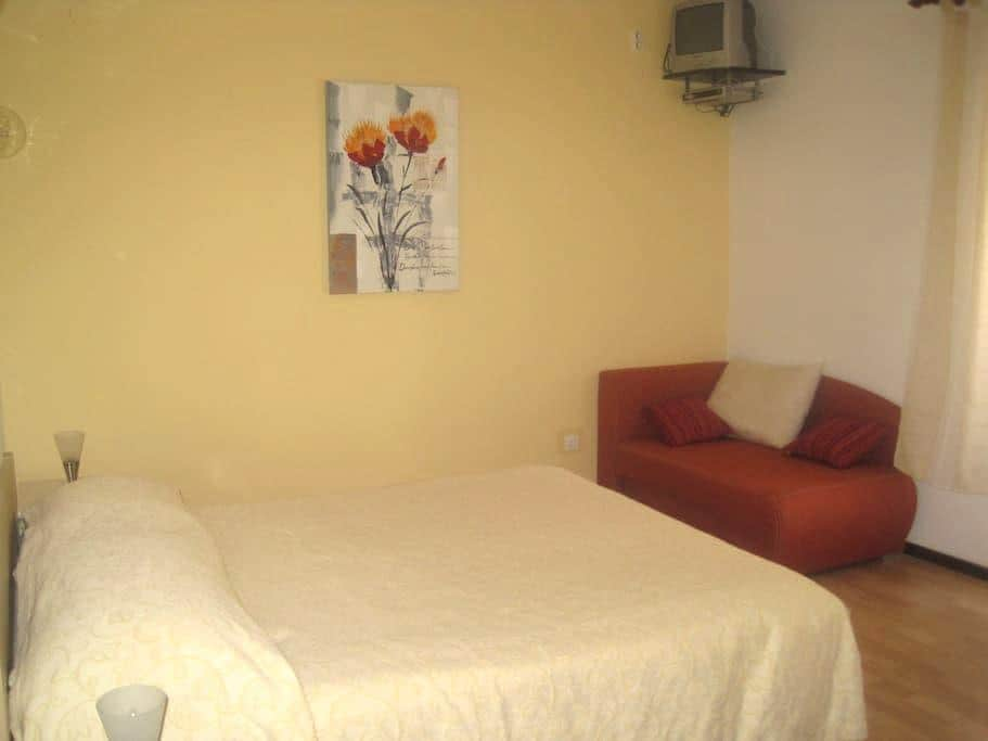 Room 1.2 km from beach - Brseč
