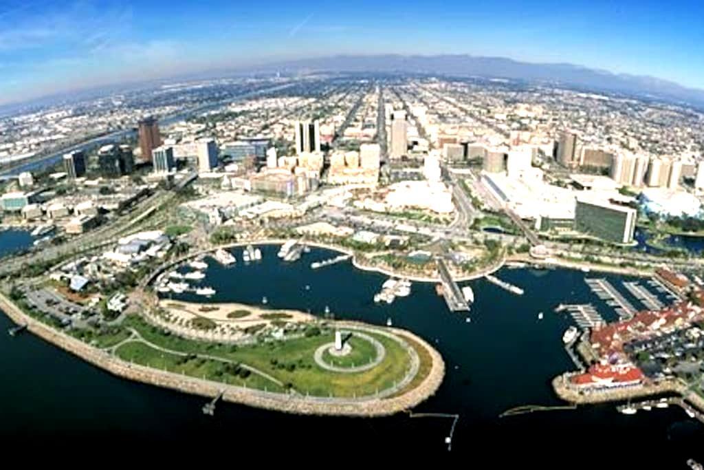 Downtown LBC Walk> Conv Cntr-Pier - Long Beach