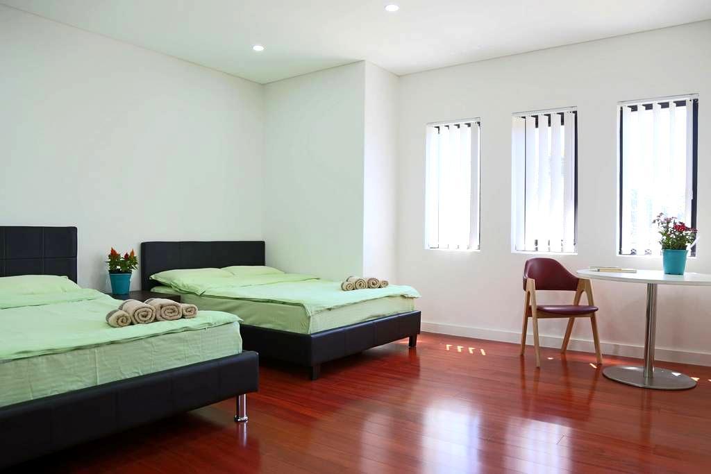 悉尼最大华人区Hurstville民宿(免费提供悉尼交通卡)(双人间) - Kingsgrove