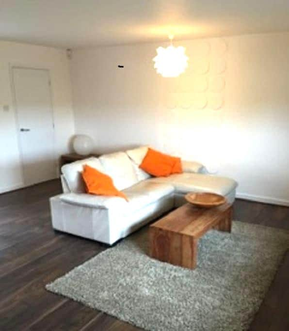 Large private annexe in a quiet location. - Woodstock - Wohnung