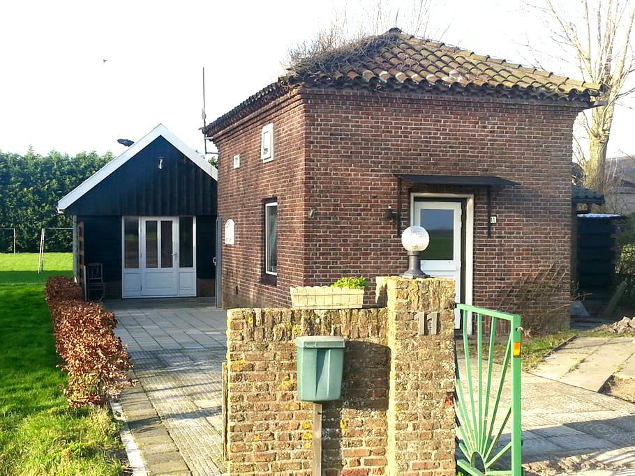 Penhuis bed en Wellness  N-Holland - Winkel - Rumah