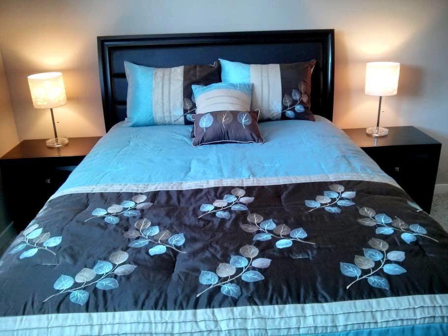 Kelowna Blue Guest Suite - Kelowna - Huis