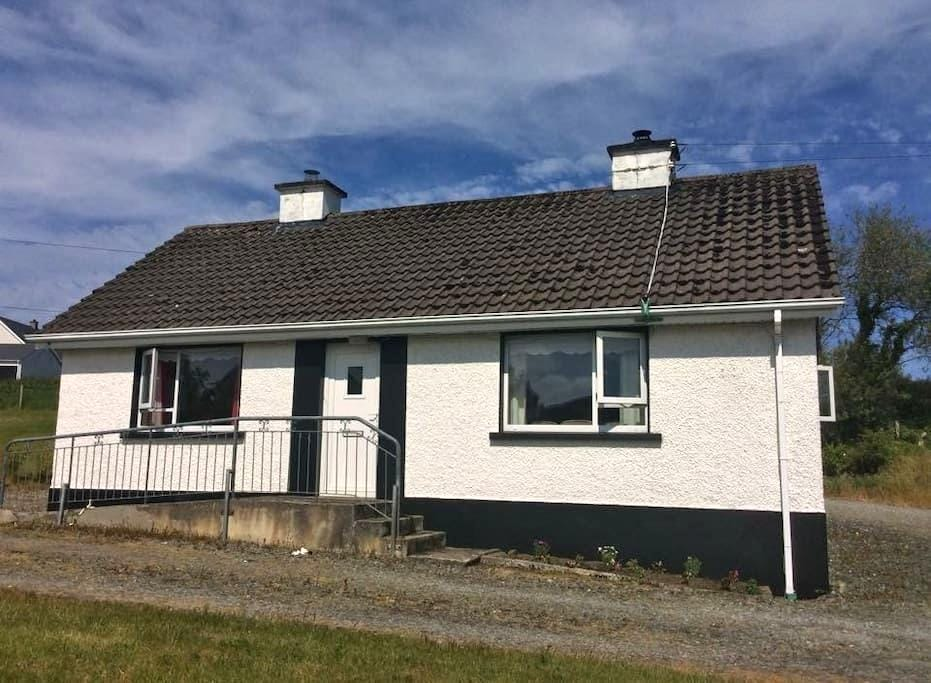 Todds Cottage.. - Ballyliffin