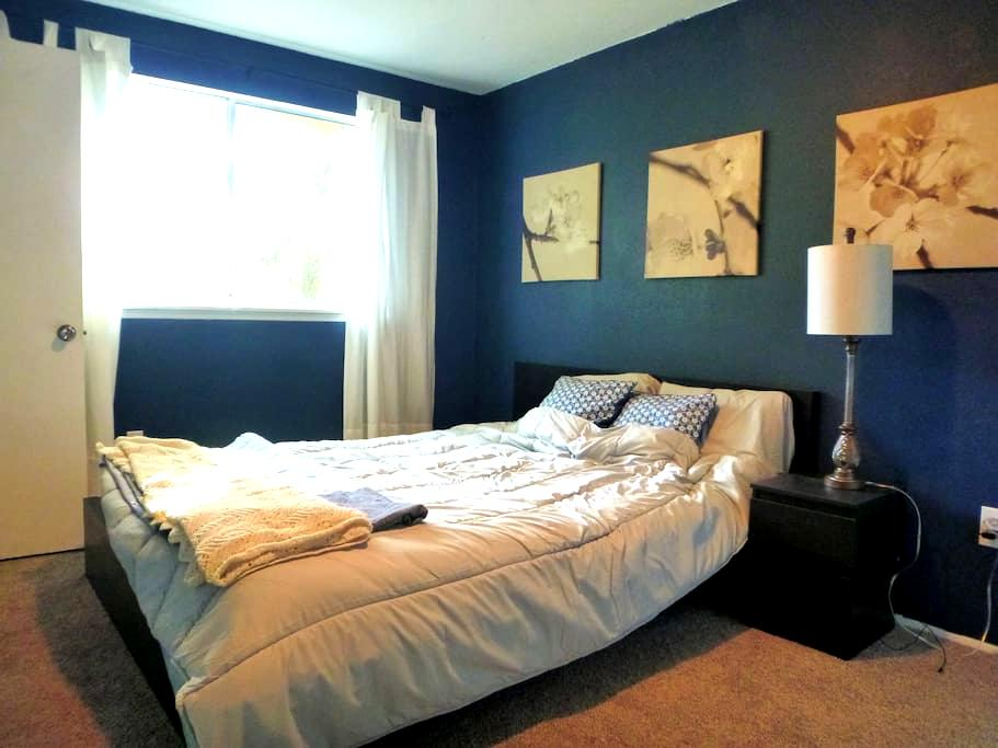 Private Guesthouse Near Airport/Light Rail - Tukwila - Guesthouse
