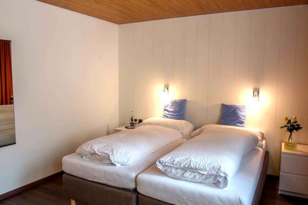 Guesthouse Rösslipost - Unteriberg
