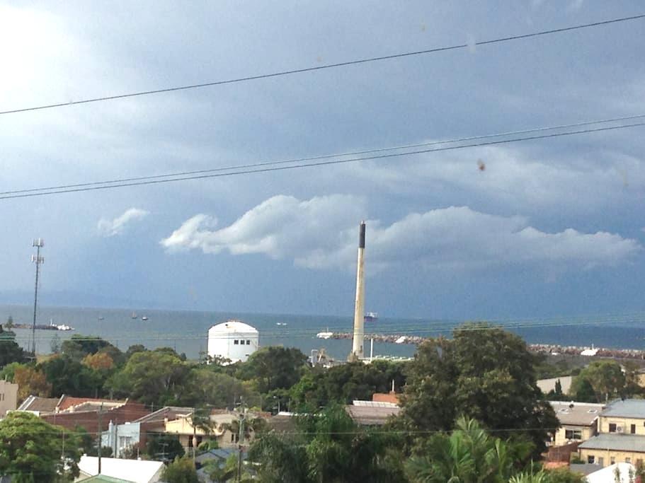 Oriana - classic forties beachouse. - Port Kembla