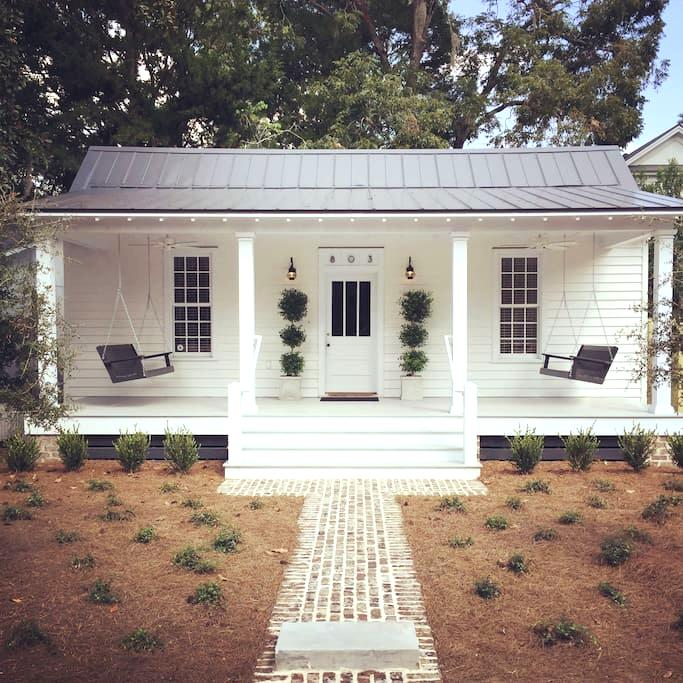 Restored 1889 Historic Cottage - Beaufort