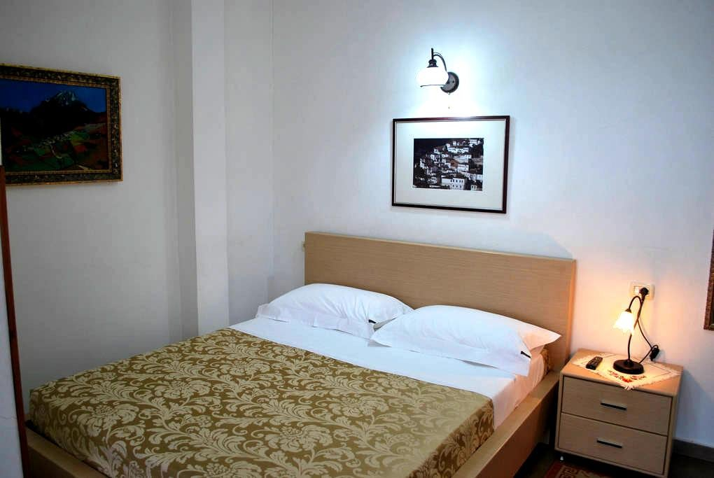 Hotel Osumi Room 3 - Berat - ที่พักพร้อมอาหารเช้า